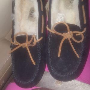 Women Uggs size 8 slippers